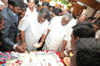tn-deputy-cm-ops-celebrated-his-birthday-with-pongal-festival