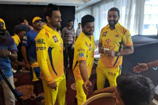 after-2-years-of-now-msd-wearing-the-yellow-jersey-again