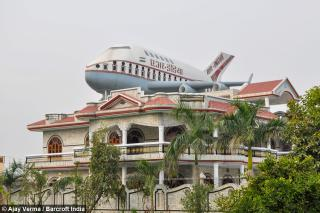 craziest-village-in-india-airplane-on-every-terrace