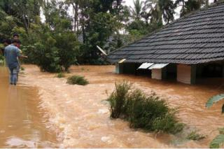 god-s-own-country-flooded-by-rains