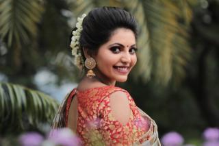 athulya-ravi-gorgeous-stills