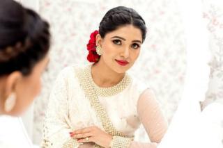 vani-bhojan-latest-stills