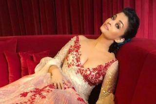aishwarya-rai-s-latest-fashion-show-s-pics