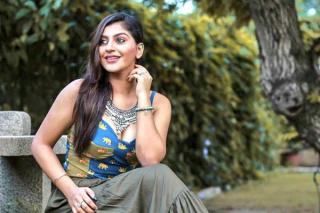 yashika-anand-latest-stills
