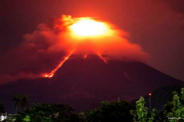 philippines-raises-mayon-volcano-alert-level-after-lava-flow