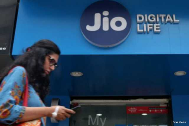 reliance-jio-offer-rs-99-free-plan-extended-by-a-year