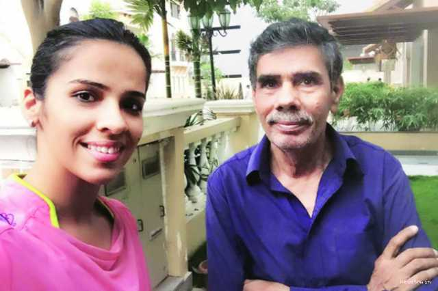 2018-cwg-saina-nehwal-father-s-name-is-cut-from-officials-list