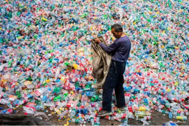 plastic-eating-bacteria-is-fighting-pollution