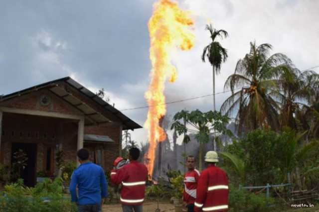 18-dead-in-indonesia-oil-well-fire