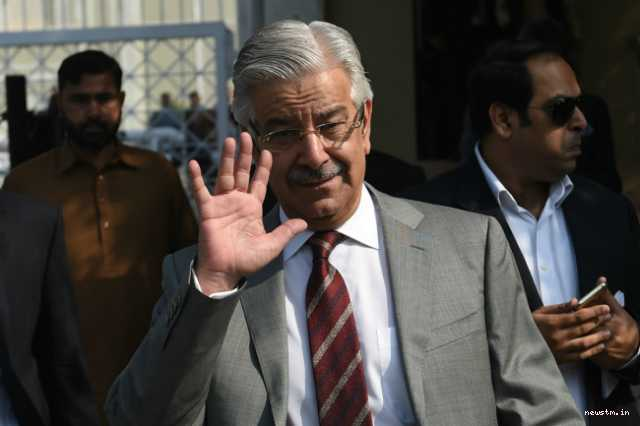 pakistan-foreign-minister-khawaja-asif-disqualified-by-court