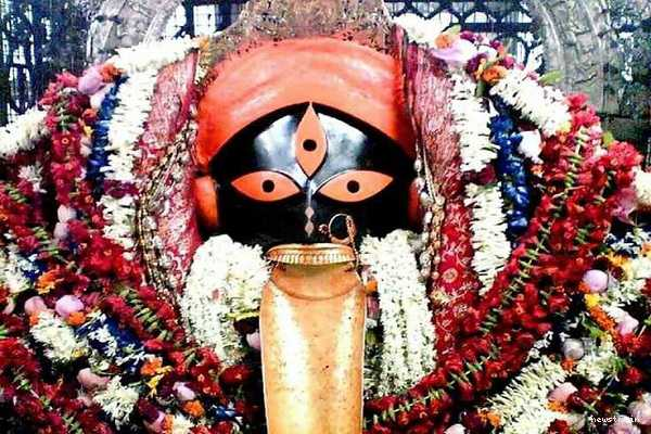 worship-kali-life-is-a-beautiful-poet-let-s-go-to-calcutta