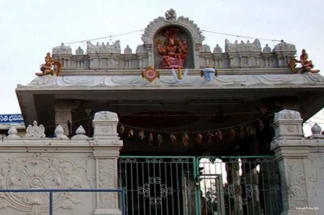 if-you-go-to-tirupati-you-should-first-see-him-before-venkatavan