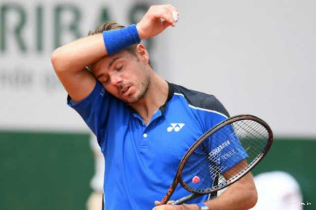 french-open-wawrinka-crashes-out-djokovic-enters-second-round