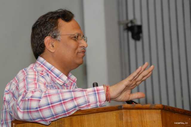 delhi-minister-satyendra-jain-s-house-raided-by-cbi