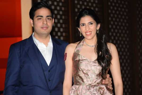 akash-ambani-shloka-mehta-to-get-engaged-on-june-30