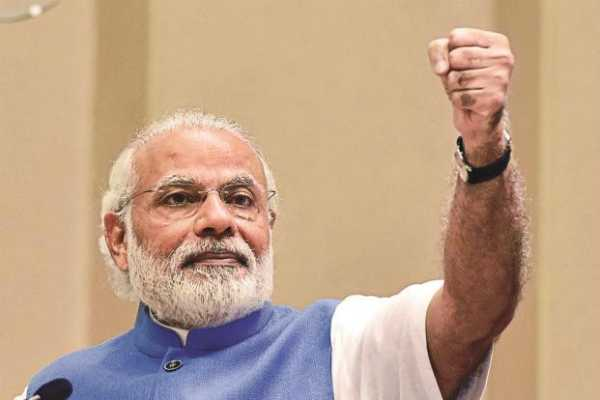 paresh-rawal-to-play-pm-modi-in-a-biopic