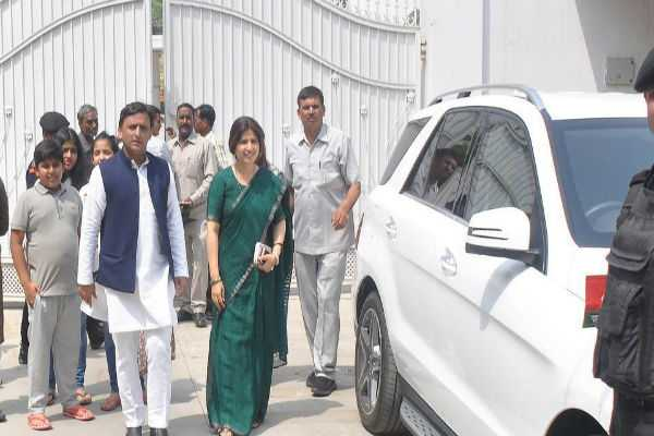 bjp-accuses-akhilesh-yadav-of-leaving-govt-bungalow-in-shambles