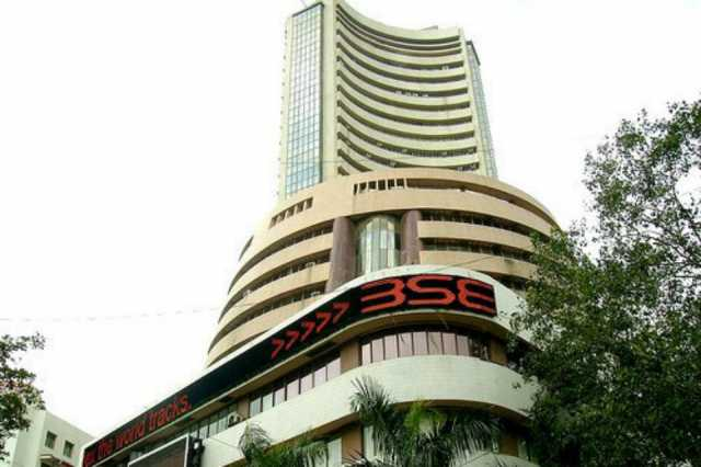 share-market-status-sensex-209-pts-higher