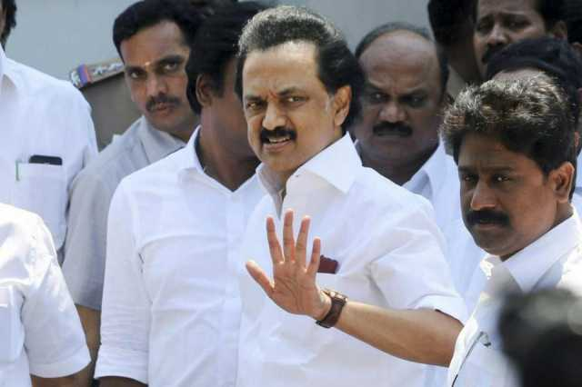 dmk-mlas-walked-out-from-tn-assembly-for-not-allowing-to-speak-about-actor-sv-sekar