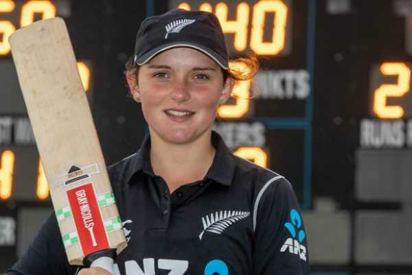 amelia-kerr-becomes-3rd-cricketer-to-register-highest-score-in-odi-history