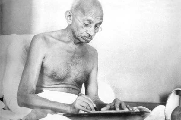 1924-postcard-signed-by-mahatma-gandhi-auctioned-for-20-000-in-us