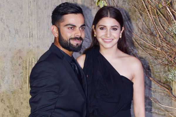 anushka-sharma-shouting-at-person-who-threw-garbage-in-road