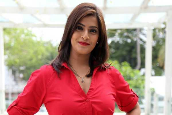 i-don-t-think-there-are-terms-like-lead-or-not-lead-says-varalaxmi-sarathkumar