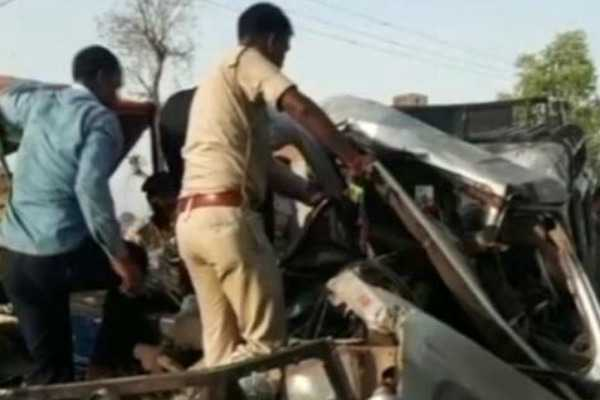 mp-15-people-from-the-same-family-killed-in-horrific-accident