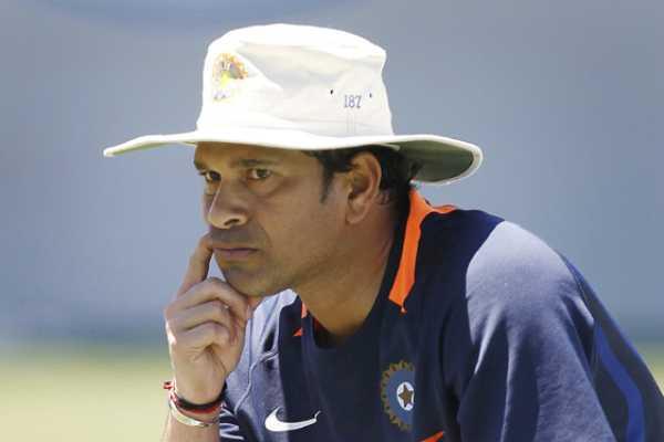 sachin-tendulkar-criticise-the-use-of-2-balls-in-odi-s