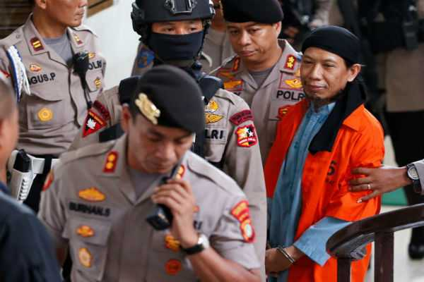 indonesia-gives-death-sentence-to-cleric-linked-to-deadly-starbucks-attack