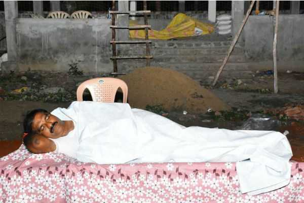tdp-mla-sleeps-in-crematorium-to-drive-away-fear-of-spirits-among-workers