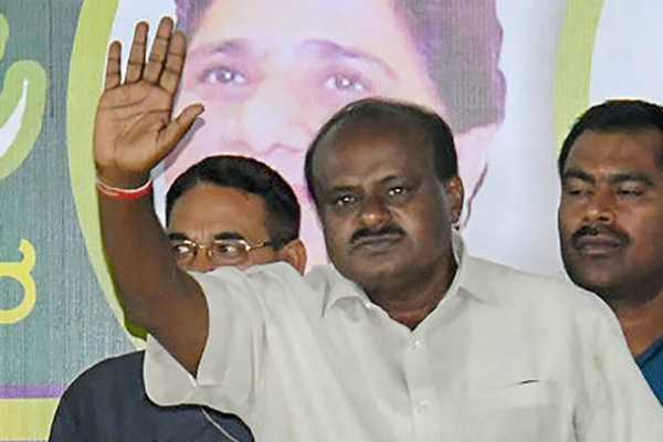 karnataka-cm-kumaraswamy-disscussed-with-his-ministers-for-cauvery-management-authority