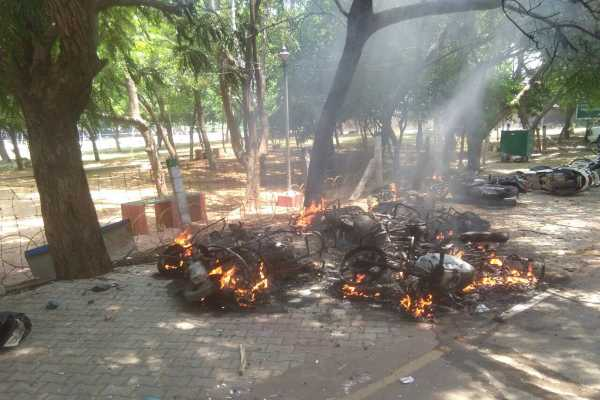 thoothukudi-gunfire-cases-are-transferred-to-madras-hc