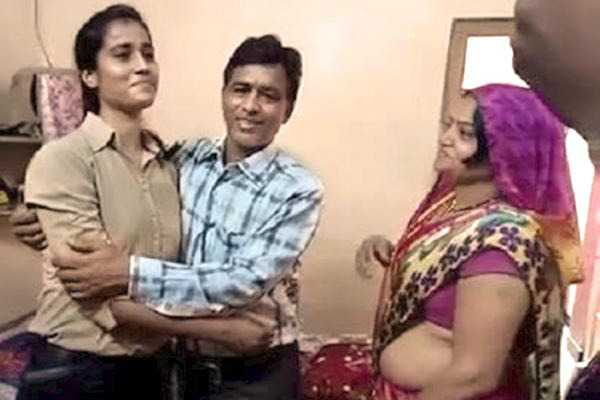 tea-seller-s-daughter-makes-it-to-indian-air-force