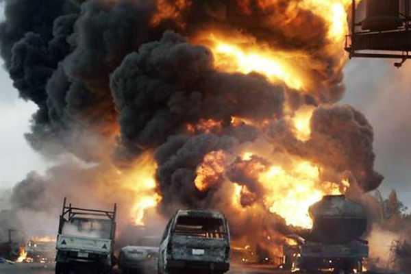 nigerian-oil-tanker-fire-kills-nine