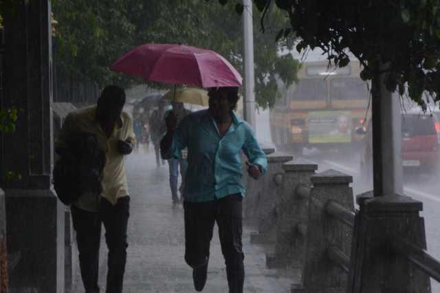 heavy-rainfall-is-possible-in-karnataka-and-kerala