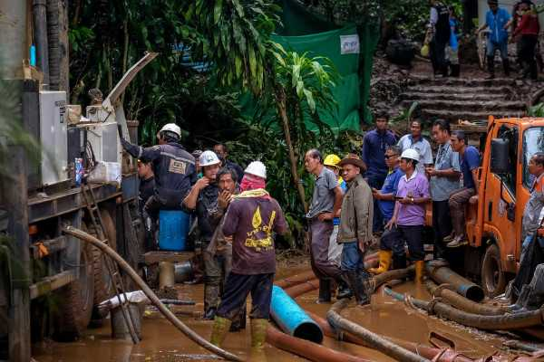 12-boys-missing-in-thailand-caves-found-alive-after-9-days