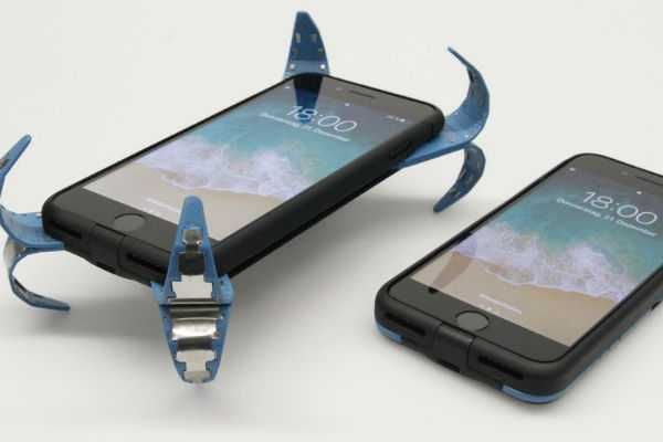 adcase-is-a-high-tech-mobile-airbag-for-your-falling-smartphone
