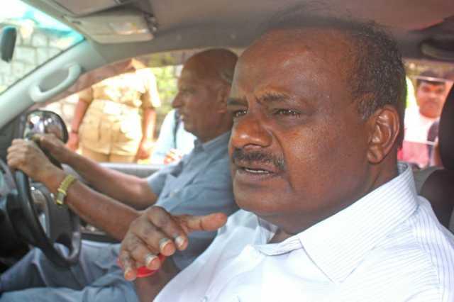 kumaraswamy-waives-off-farmer-loans