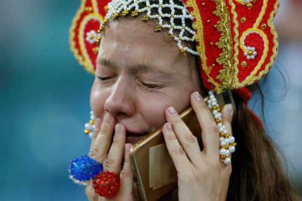 russia-fans-got-emotional-after-loss-against-croatia