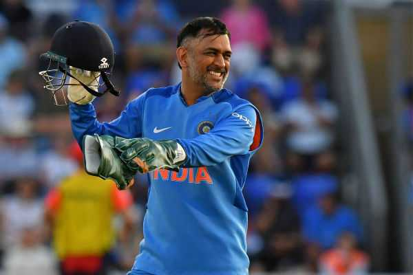 ms-dhoni-creates-two-world-records-in-last-t20-against-english