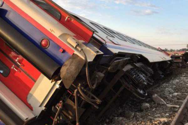 turkey-train-derails-en-route-to-istanbul-killing-24