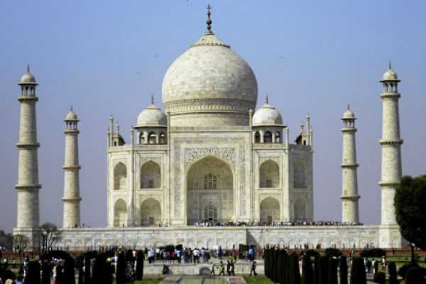supreme-court-slams-centre-over-tajmahal-maintanence