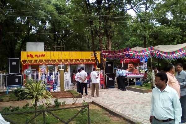 cm-chandrababu-naidu-launched-anna-canteen-in-andhra-pradesh