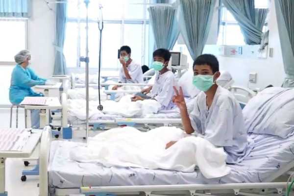 rescued-thai-boys-are-in-hospital-video