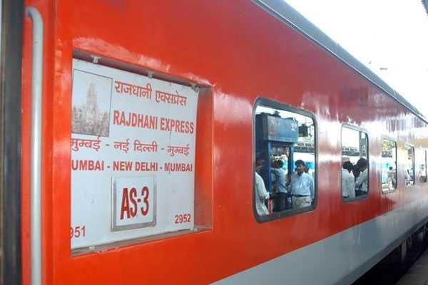 fire-on-jammu-rajdhani-express-no-injuries-reported