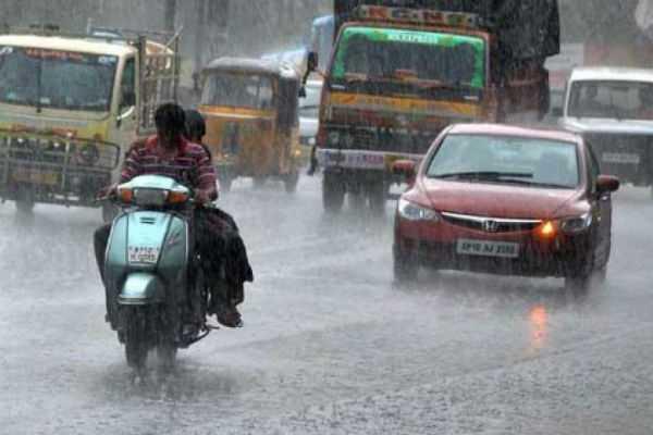 rain-holiday-for-theni-valparai-schools