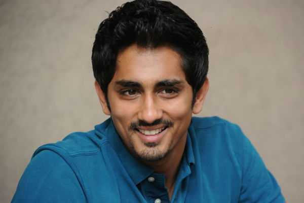 actor-siddharth-about-directors-turned-actors-in-peranbu-audio-launch