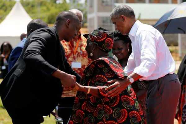 obama-dances-with-his-grandmother-on-visit-to-kenya