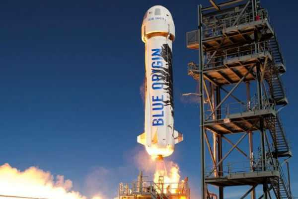 amazon-launches-space-tour-rocket